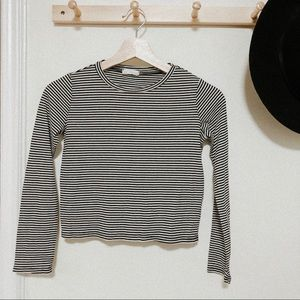 Full tilt cropped black white stripped long sleeve